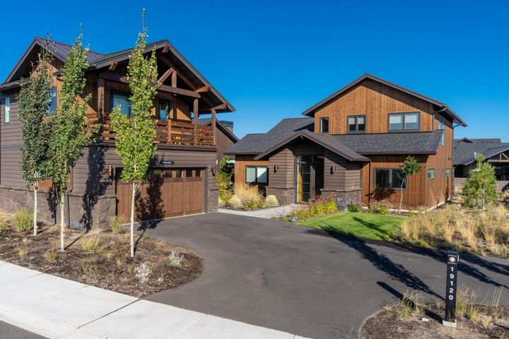 19120 Gateway Loop, Bend, OR 97702