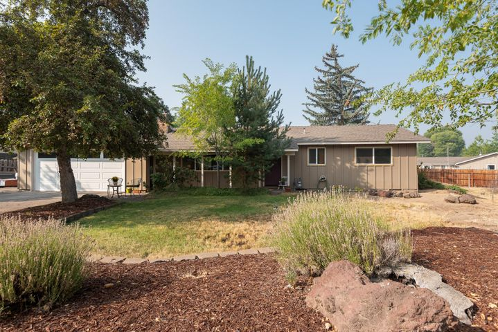 1625 Pheasant Circle, Bend, OR 97701