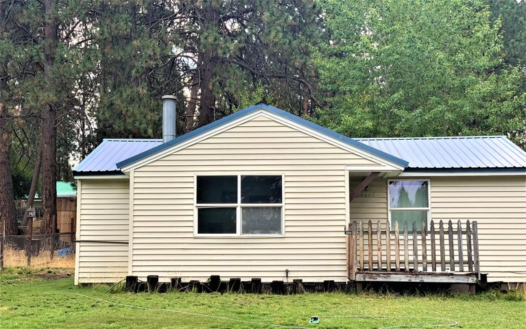 138647 Rhododendron Street, Gilchrist, OR 97737