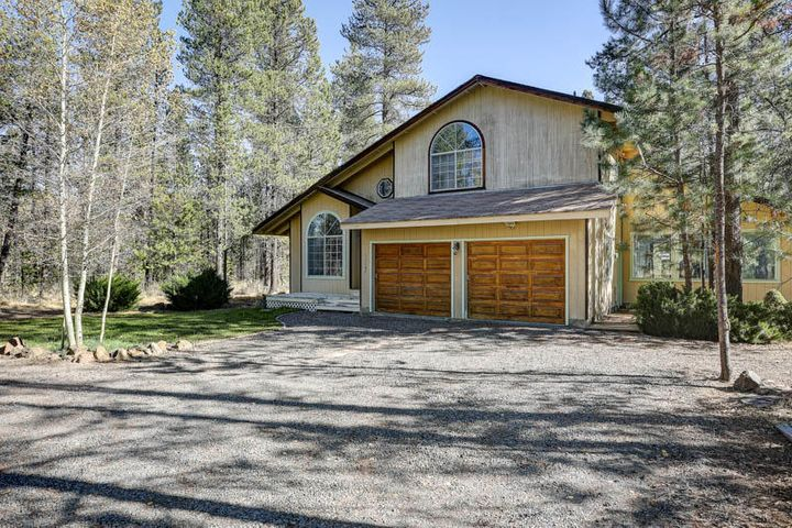 52606 Skidgel Road, La Pine, OR 97739