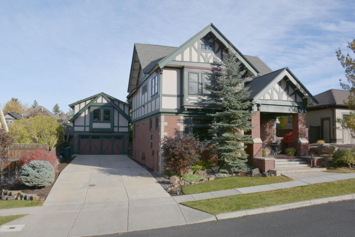 1216 SW Bryanwood Place, Bend, OR 97702