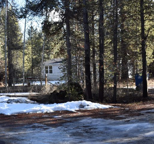 16047 Falcon Lane, La Pine, OR 97739