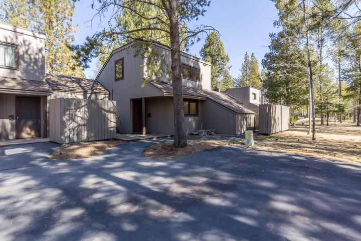 57202 Island Road, 2 Meadow Houses, Sunriver, OR 97707