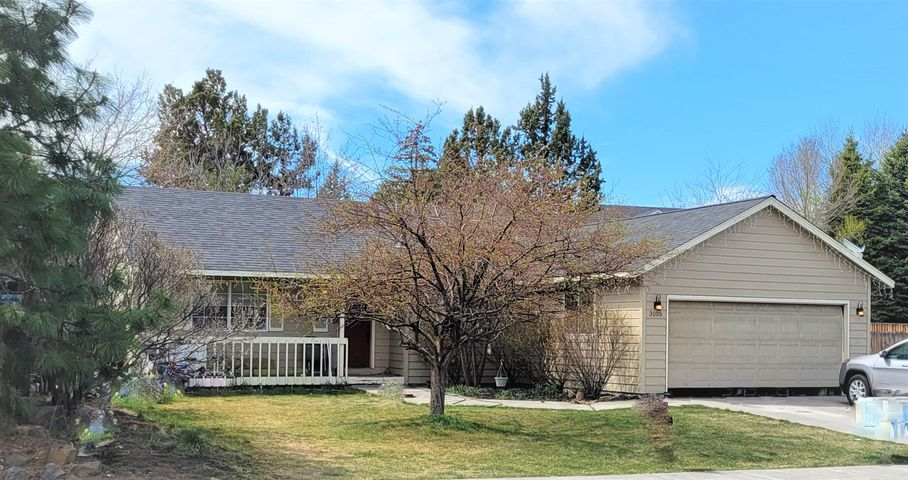 3105 NE Purcell Boulevard, Bend, OR 97701
