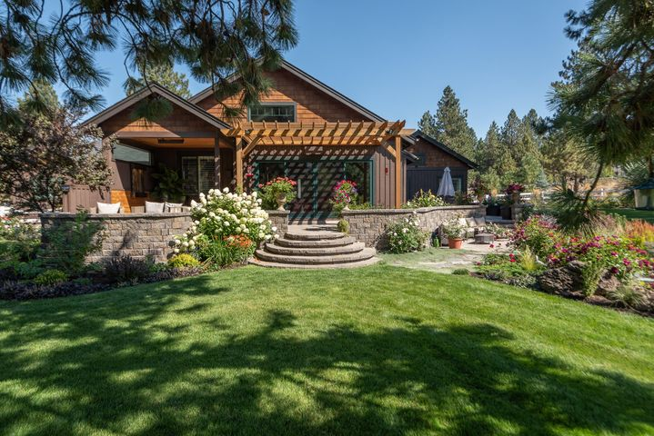 60555 Sunset View Drive, Bend, OR 97702