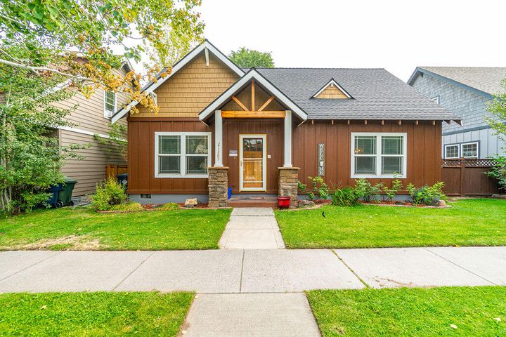 21385 Oakview Drive, Bend, OR 97701