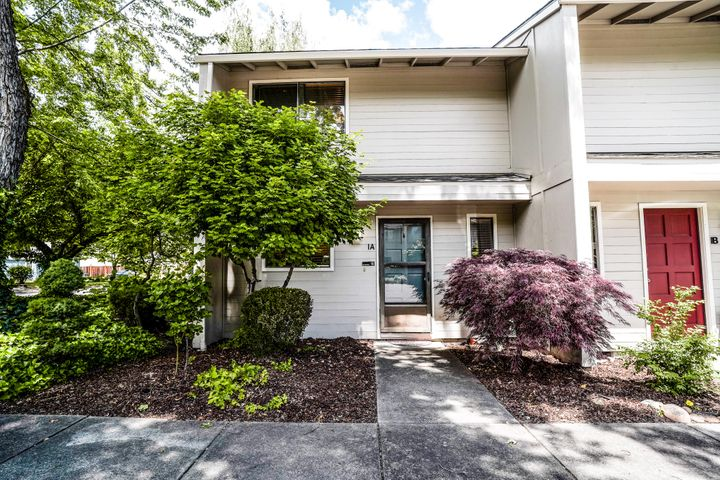 1279 Maple Leaf Court 1A