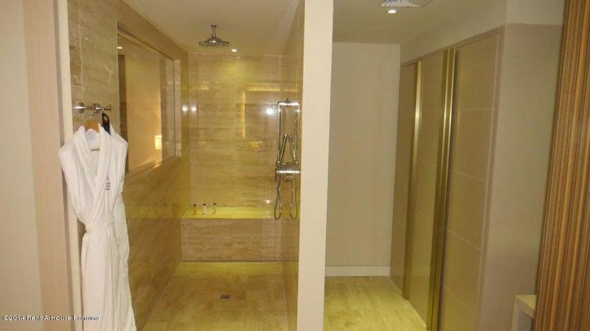 Apartamento Panama>Panama>Avenida Balboa - Alquiler:2.412 US Dollar - codigo: 14-1230