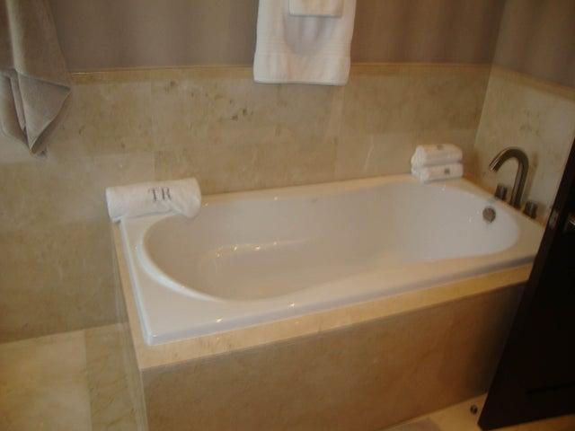 Apartamento Panama>Panama>Santa Maria - Venta:758.040 US Dollar - codigo: 15-803