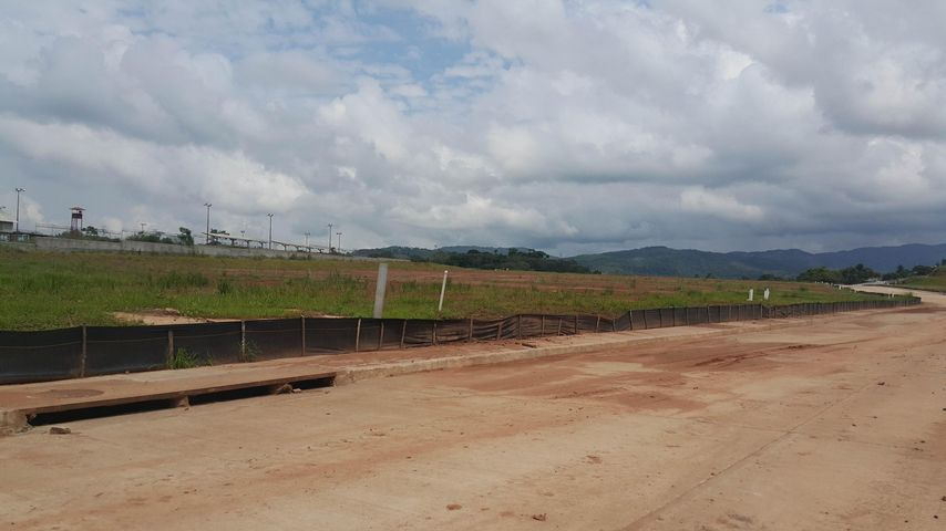 Terreno Panama>Panama>Tocumen - Venta:402.350 US Dollar - codigo: 15-2577