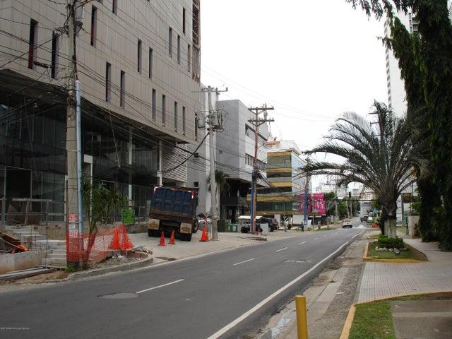 Oficina Panama>Panama>Obarrio - Alquiler:2.686 US Dollar - codigo: 15-2967