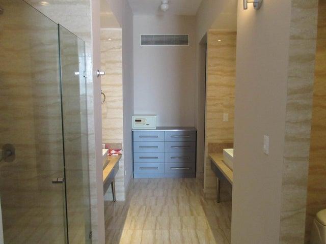 Apartamento Panama>Panama>Obarrio - Venta:220.000 US Dollar - codigo: 15-3480