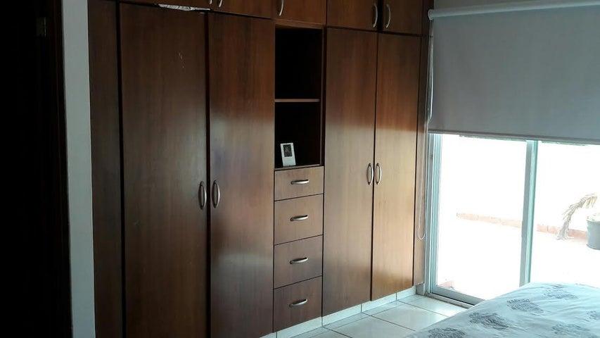 Apartamento Panama>Panama>Obarrio - Venta:320.000 US Dollar - codigo: 16-2518