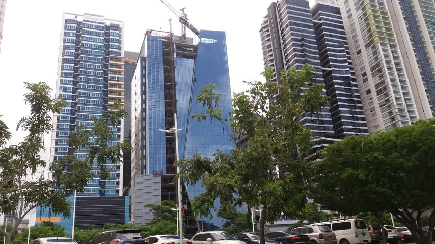 Local comercial Panama>Panama>Avenida Balboa - Alquiler:16.450 US Dollar - codigo: 15-2986