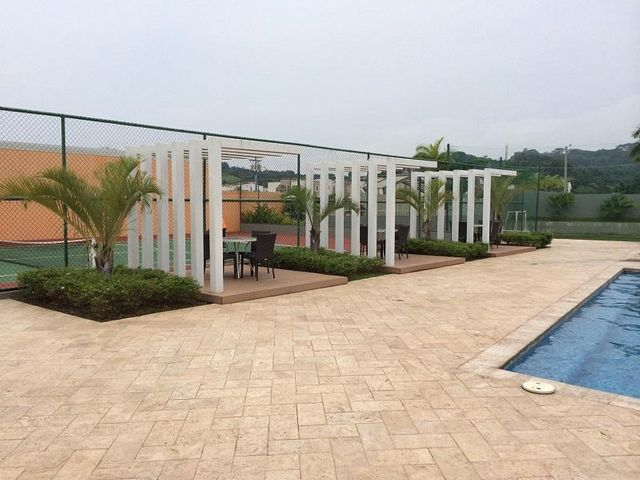 Casa Panama>San Miguelito>Brisas Del Golf - Venta:270.000 US Dollar - codigo: 16-3288