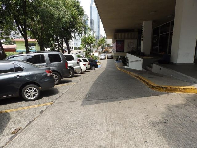 Local comercial Panama>Panama>Obarrio - Alquiler:5.120 US Dollar - codigo: 16-3672