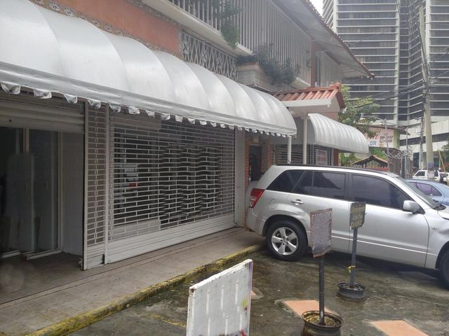 Local comercial Panama>Panama>Obarrio - Alquiler:1.800 US Dollar - codigo: 16-3728