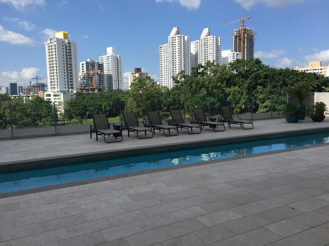 Apartamento Panama>Panama>Altos del Golf - Venta:990.000 US Dollar - codigo: 17-124