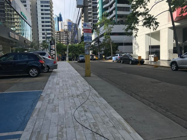 Local comercial Panama>Panama>Avenida Balboa - Alquiler:4.204 US Dollar - codigo: 17-3268