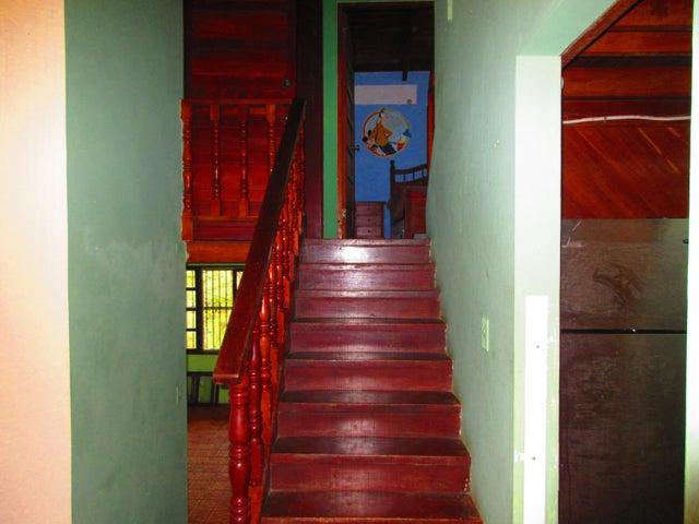 Casa Panama>Pacora>Cerro Azul - Venta:175.000 US Dollar - codigo: 17-4075