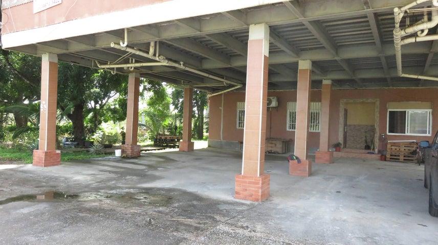 Edificio Colon>Colón>Davis - Venta:730.000 US Dollar - codigo: 17-4585