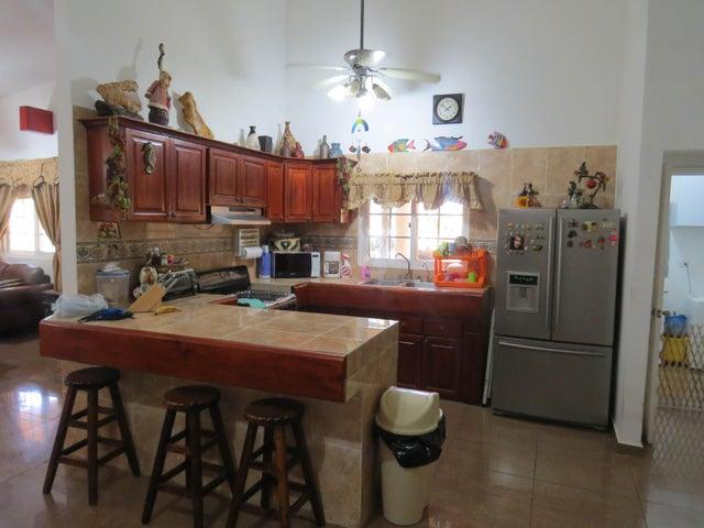 Casa Colon>Colón>Maria Chiquita - Venta:270.000 US Dollar - codigo: 17-6284
