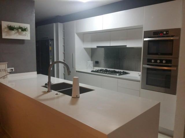Apartamento Panama>Panama>San Francisco - Venta:330.000 US Dollar - codigo: 18-189
