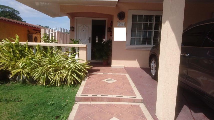 Casa Panama>Panama>Brisas Del Golf - Venta:220.000 US Dollar - codigo: 18-872