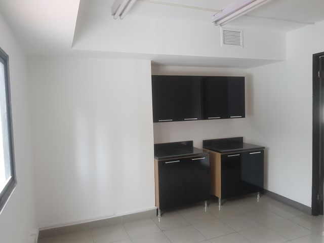 Oficina Panama>Panama>El Cangrejo - Alquiler:600 US Dollar - codigo: 18-1100
