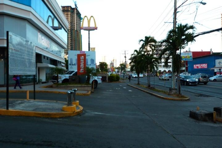 Apartamento Panama>Panama>Carrasquilla - Alquiler:900 US Dollar - codigo: 18-1344