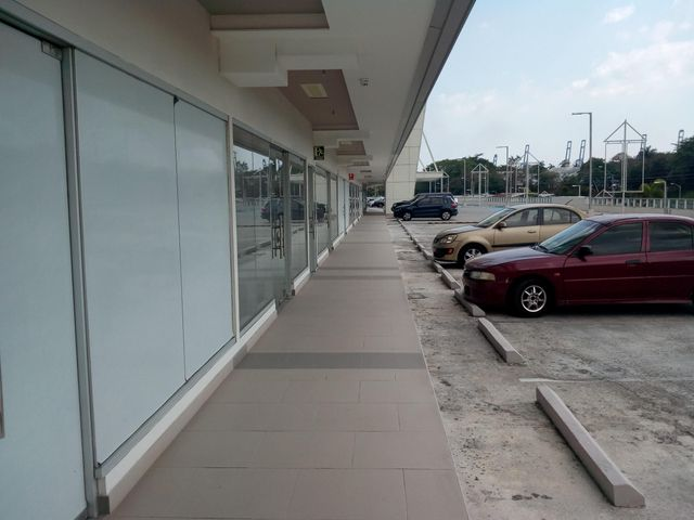 Local comercial Panama>Panama>Ancon - Alquiler:2.750 US Dollar - codigo: 18-1510