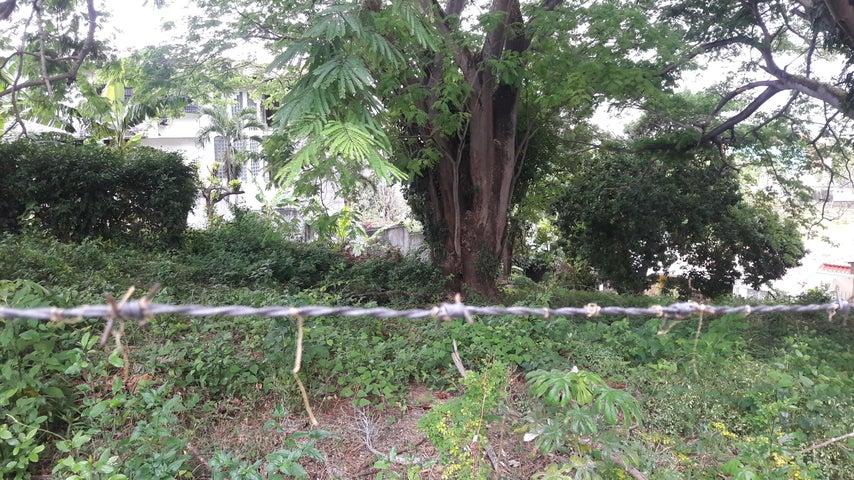 Terreno Panama>Panama>12 de Octubre - Venta:375.000 US Dollar - codigo: 18-2003