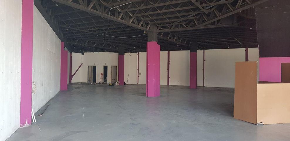 Local comercial Panama>San Miguelito>Amelia D - Alquiler:7.500 US Dollar - codigo: 16-2640