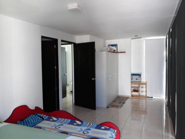 Apartamento Panama>Panama>San Francisco - Venta:185.000 US Dollar - codigo: 18-2761