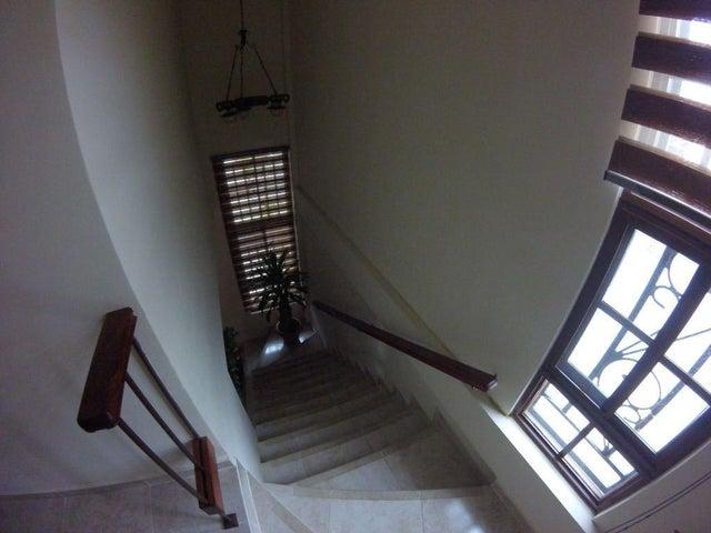Casa Panama>Panama>Las Cumbres - Venta:230.000 US Dollar - codigo: 18-2792