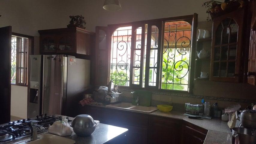 Casa Panama>Panama>Carrasquilla - Alquiler:5.000 US Dollar - codigo: 18-3339