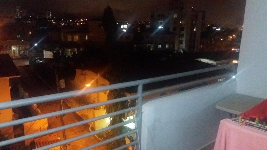 Apartamento Panama>Panama>El Carmen - Alquiler:1.300 US Dollar - codigo: 18-3587