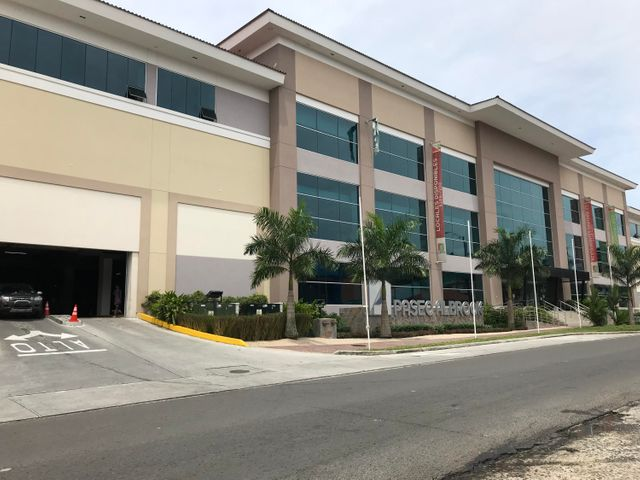 Local comercial Panama>Panama>Albrook - Venta:1.148.100 US Dollar - codigo: 18-3883