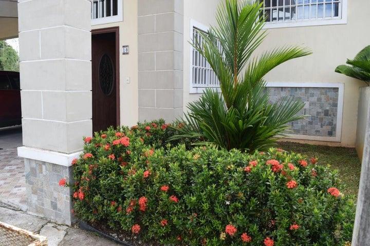 Casa Panama>Panama Oeste>Arraijan - Venta:300.000 US Dollar - codigo: 18-4645