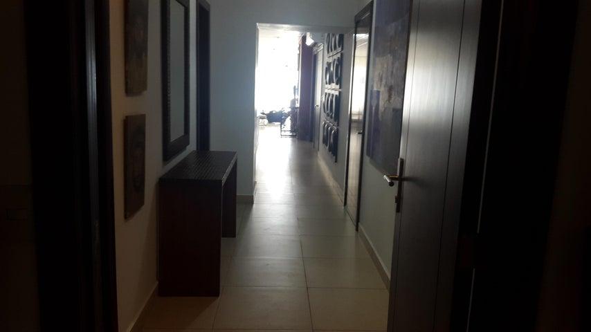Apartamento Panama>Panama>Avenida Balboa - Alquiler:2.000 US Dollar - codigo: 18-5410
