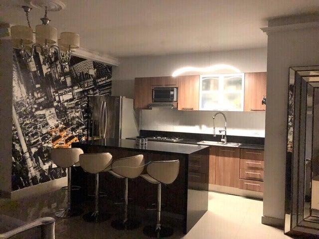Apartamento Panama>Panama>San Francisco - Venta:179.000 US Dollar - codigo: 18-5786