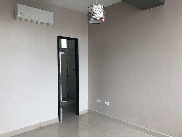 Apartamento Panama>Panama>San Francisco - Venta:220.000 US Dollar - codigo: 18-5846
