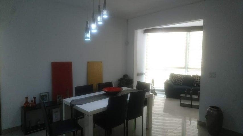 Apartamento Panama>Panama>San Francisco - Venta:240.000 US Dollar - codigo: 18-7140