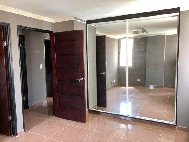 Apartamento Panama>Panama>El Cangrejo - Venta:180.000 US Dollar - codigo: 18-7163