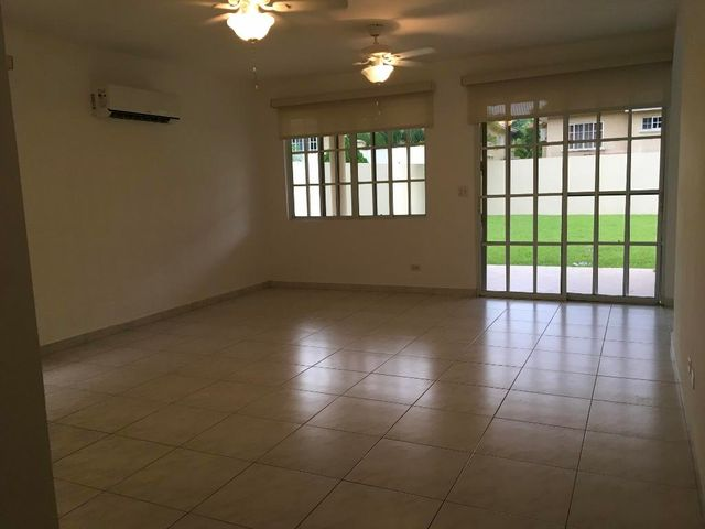 Casa Panama>Panama>Albrook - Alquiler:2.600 US Dollar - codigo: 18-7169