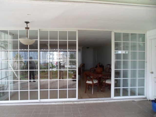Apartamento Panama>Panama>Paitilla - Venta:360.000 US Dollar - codigo: 18-7171