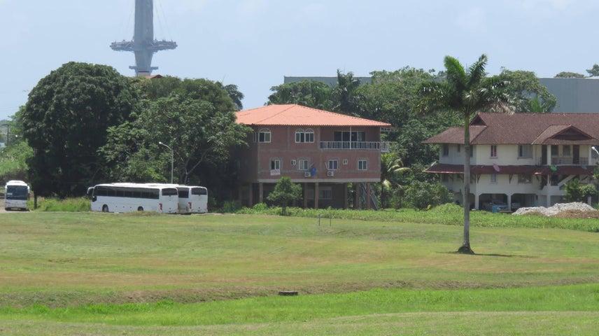 Edificio Colon>Colón>Davis - Venta:700.000 US Dollar - codigo: 18-7382