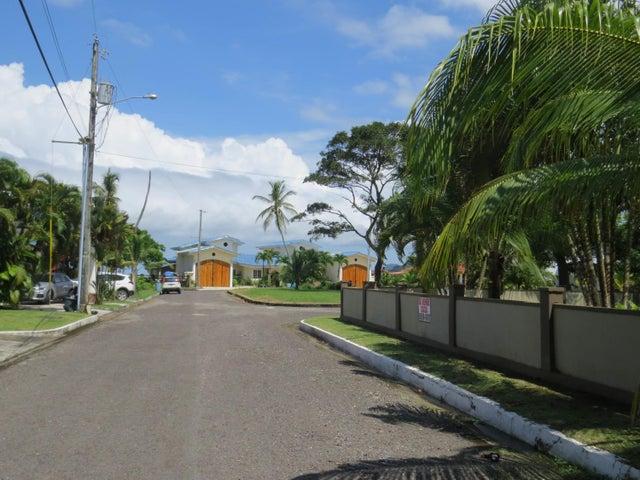 Casa Colon>Colón>Maria Chiquita - Venta:375.000 US Dollar - codigo: 18-7689