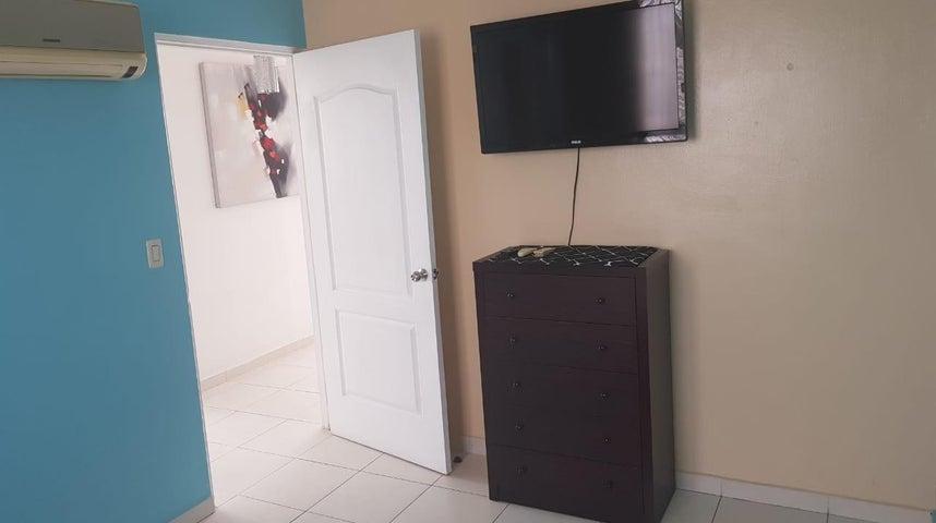 Apartamento Panama>Panama>San Francisco - Alquiler:1.200 US Dollar - codigo: 18-7828