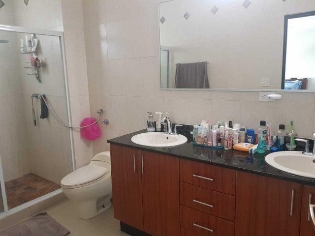 Apartamento Panama>Panama>San Francisco - Venta:415.000 US Dollar - codigo: 18-8352